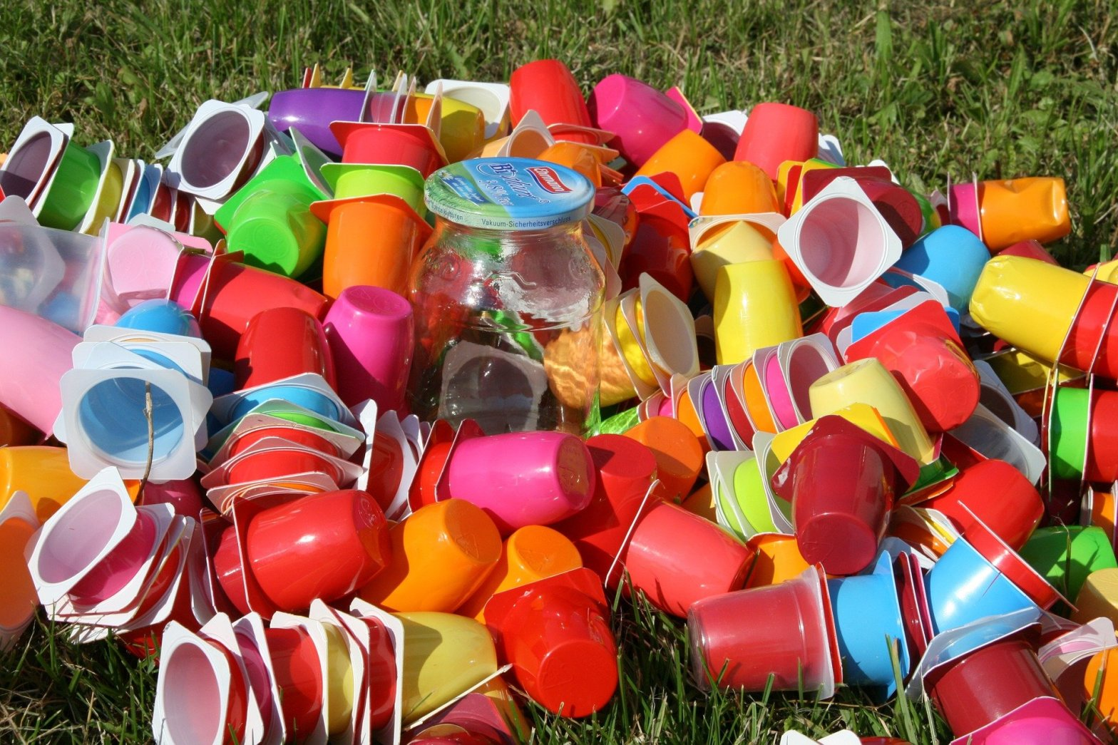 Plastica-invasione-natura-rifiuti-inquinamento